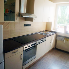Voll ausgestattete Küche einer Monteurwohung in Duisburg